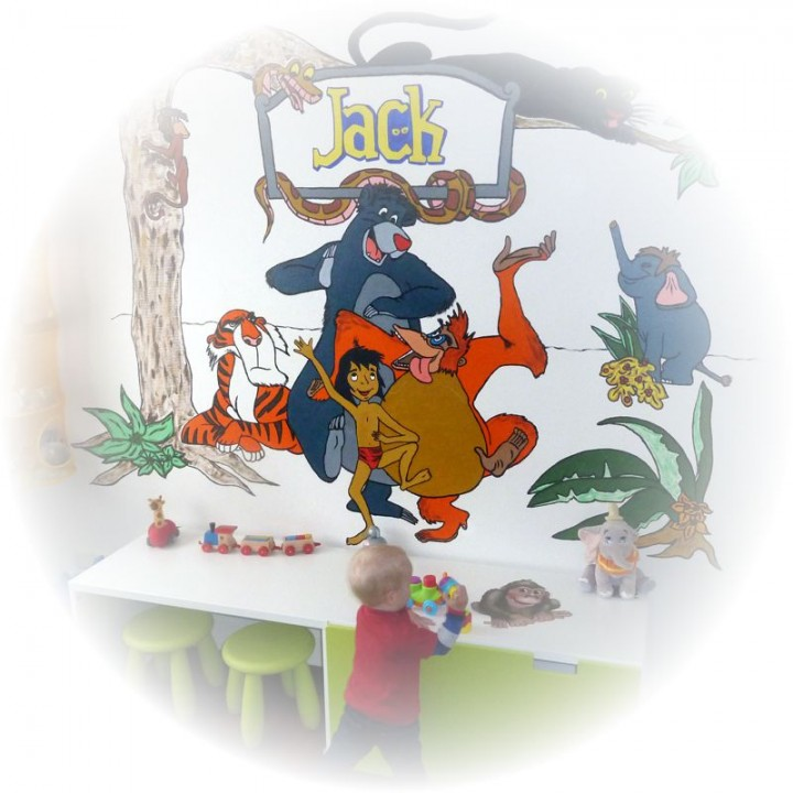 Een muurschilderingen van Tinkerbelly
